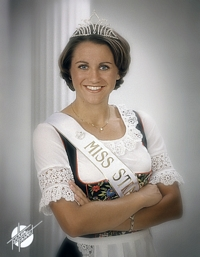 Miss Strassenfest 2002 - Elizabeth Gramelspacher Flatt